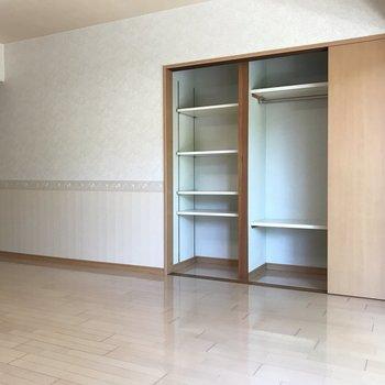 収納も大きめの頼もしいサイズです。 ※写真は1階反転間取り別部屋のものです