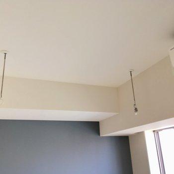 室内干しも可能です。※写真は9階の反転間取り別部屋のものです