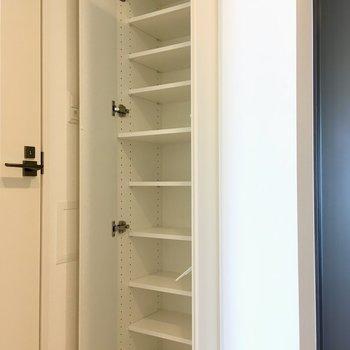 靴箱はたくさん入るなぁ。※写真は11階の同間取り別部屋のものです