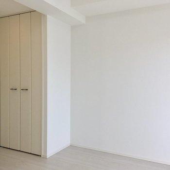 収納を見てみましょう。※写真は11階の同間取り別部屋のものです