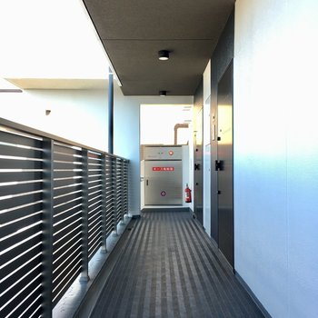 綺麗な共用廊下。