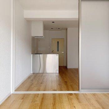 戸の背が高いのも関係があるのかも。