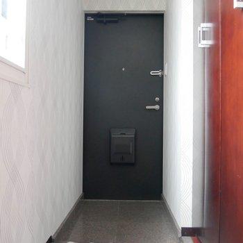 すっきりとした玄関◎※写真は同間取り別部屋