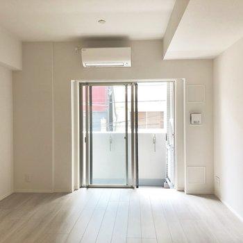 【LDK】エアコン付き。※写真は2階の同間取り別部屋のものです