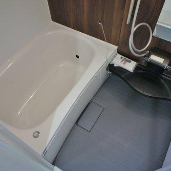 浴室乾燥機付きのお風呂。※写真は同タイプの別部屋