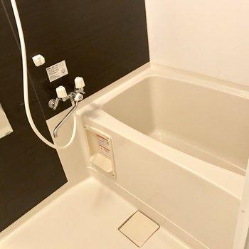 お風呂はシンプルね*写真は別部屋のものです