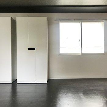 この白い箱を移動して、1LDKのお部屋に。*写真は別部屋のものです