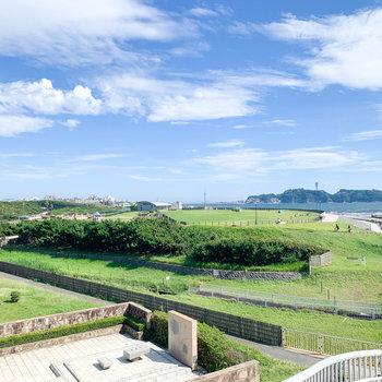 湘南海岸公園には〈サーフビレッジ〉という、ランニングコースも。
