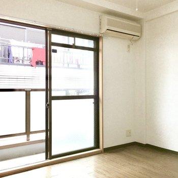 東向きの光がお部屋を照らします。※写真は3階同間取り・別部屋のものです