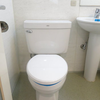 トイレはシンプルに!(※写真は3階の同間取り別部屋のものです)