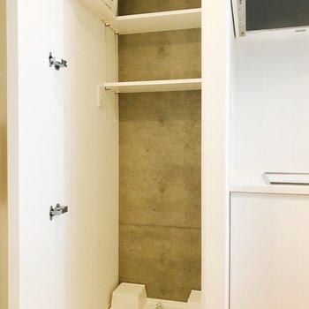 【DK】お隣に洗濯機置き場。扉で隠せますよ。