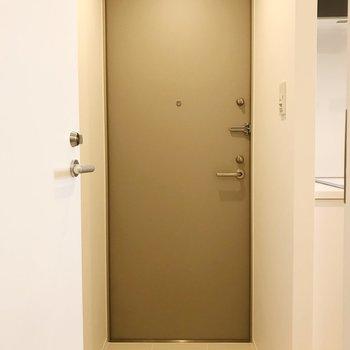 玄関はスタイリッシュに。