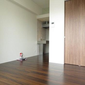 こだわりの家具を置いて自分色に ※写真は別部屋反転タイプのものです