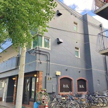 1階は珈琲店。