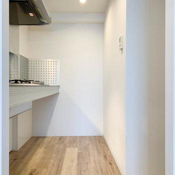 【LDK】さて、キッチン部分へ。