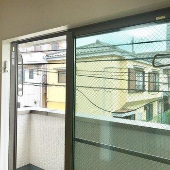 雨の日は室内干しもできますね※写真は2階の同間取り別部屋のものです