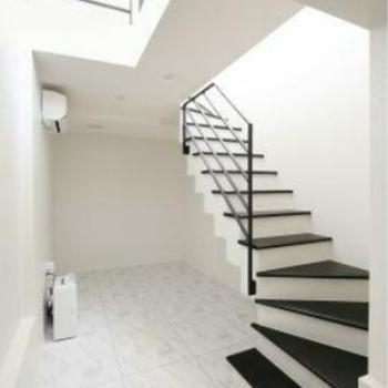 1階に続く階段