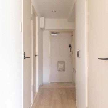 廊下も居室同様優しげな雰囲気。