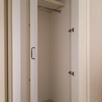 廊下の収納が意外と大きくてうれしい。
