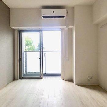 明るさも良好のお部屋です。※写真は4階の同間取り別部屋のものです