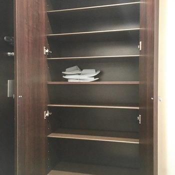 でも大切な靴の収納はお任せを。※写真は3階同間取り・別部屋のものです。