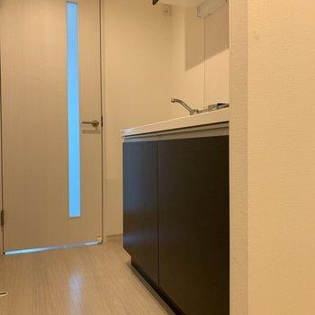 キッチン左側は冷蔵庫のスペース。