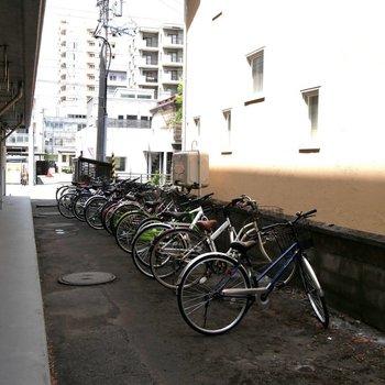 駐輪所もあるんですよ!サイクリングにいこう!
