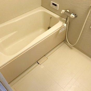 お風呂は追焚機能付き。帰りが遅くなった日も安心ですね。