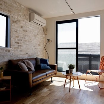 ひだまりが心地よいです。※家具・雑貨はサンプルです