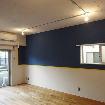 2面採光で気持ち良い〜※写真は3階の同間取り別部屋のものです