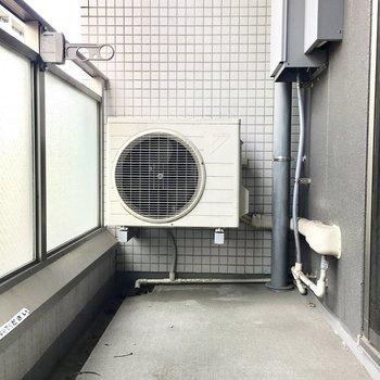 洗濯物もしっかり干せる幅がありますよ。※別部屋・同間取り反転タイプのものです。