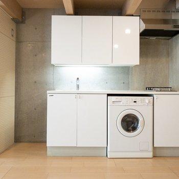洗濯機はこちらに。