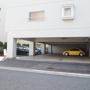 月15,000円で駐車場の利用が可能です