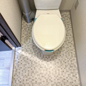 ドット模様が素敵なトイレ。