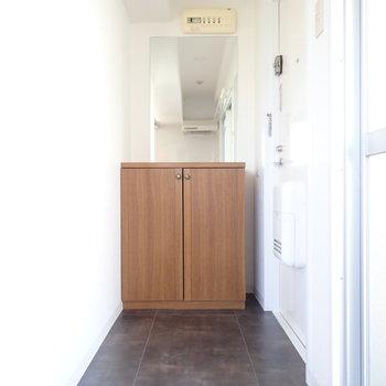 玄関は広いですね。