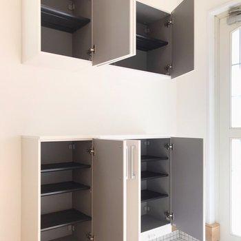 【1階】シューズボックスには家族みんなの靴、まるっと収納できそうです。