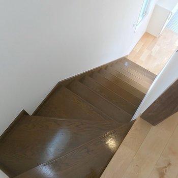 さて、1階に戻って水回りへ。