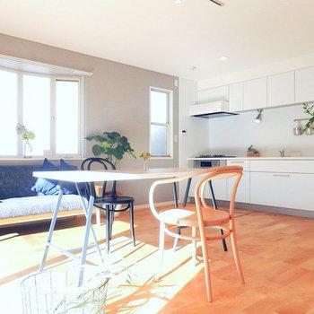 【1階リビング】大きなキッチンで過ごす家族の時間