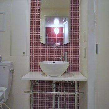 ボウル型が可愛い洗面※写真は同タイプ6階のお部屋のもの