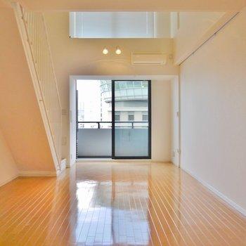 階段下も有効に使えますね ※写真は同間取り別部屋のものです。