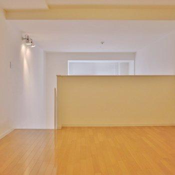 2階】上の洋室も広々 ※写真は同間取り別部屋のものです。