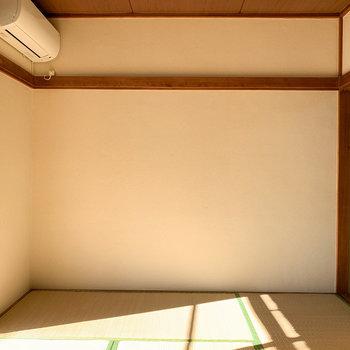 【和室6帖】低めの家具を置くと広く感じます。