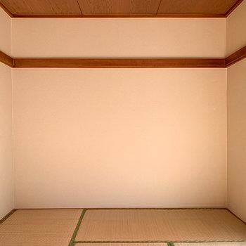 【和室6帖】梁を使って、好きな物をかけたり。
