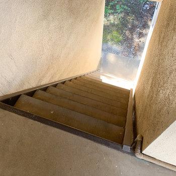 2階まで階段に。