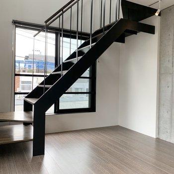 【LDK】階段へ2階へ