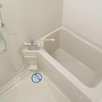 お風呂もしっかりと ※写真は別部屋のもの