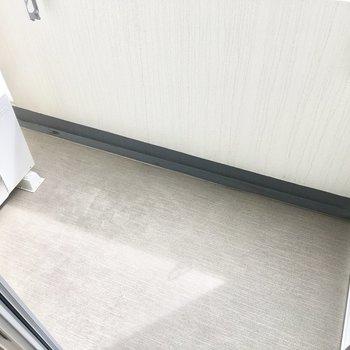 洗濯物はよく乾きそう◎※写真は7階同間取り・別部屋のものです。