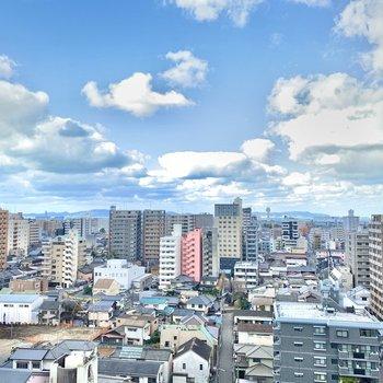 空と街と、半分こ