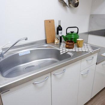 シンクゆったりなので、2人分の洗い物もしやすそうですね。