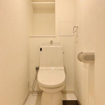 トイレは脱衣所の隣です